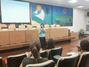 """Aula ministrada no projeto Promotoras Legais Populares: """"As mulheres e a Constituinte de 1988"""". Março de 2014."""